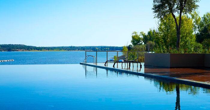 Lake Montargil & Villas