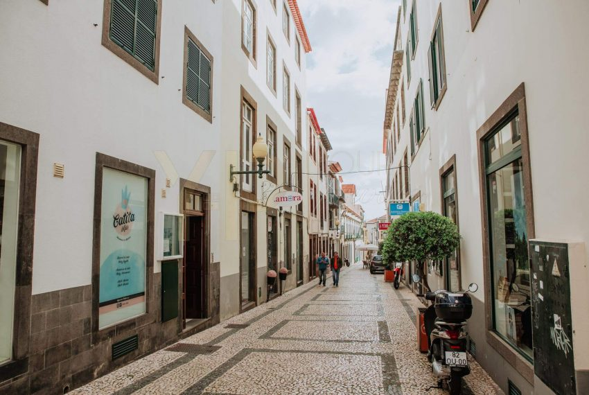 Building Located in the historic area of __Funchal21